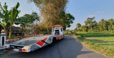 Jasa Towing atau Truk Derek dari Yogyakarta ke Tegal